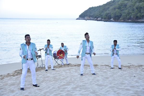 Banda Tierra Mojada - Mi hermosa adicción