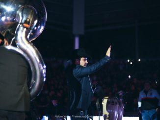 """Julión Álvarez cierra con éxito la gira """"Aquí andamos de regreso""""."""