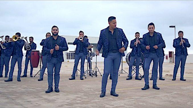 """Los amigos de Banda La Contagiosa presentan su mas reciente video titulado """"No debería quererte"""""""