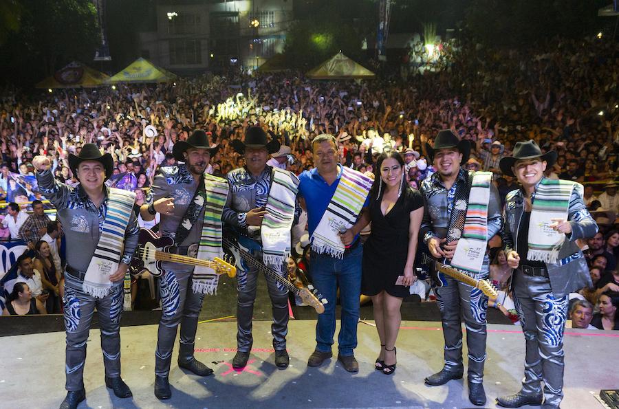 Grupo Bronco tiene exitosas presentaciones en Colombia durante su gira 2019.