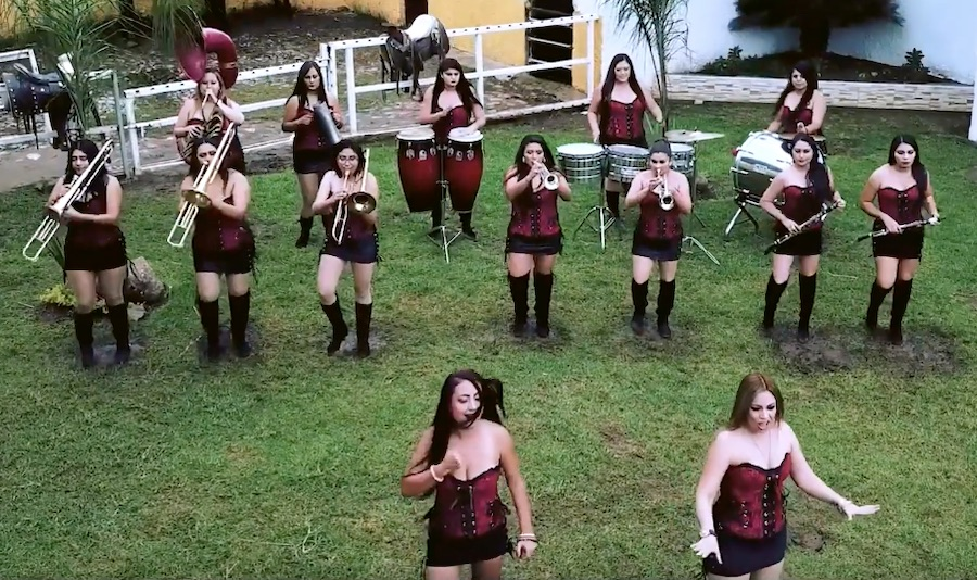 """Banda Soñadoras estrena el video de su sencillo """"Ardiente tentación"""""""
